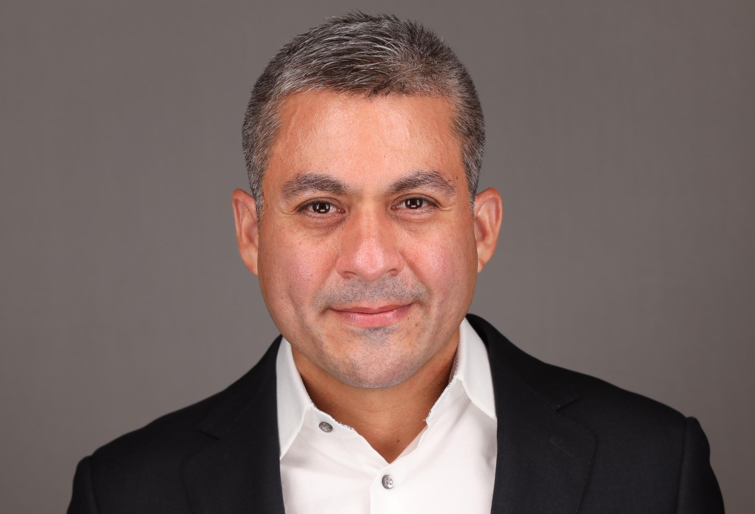 Dr. Mario Mendoza
